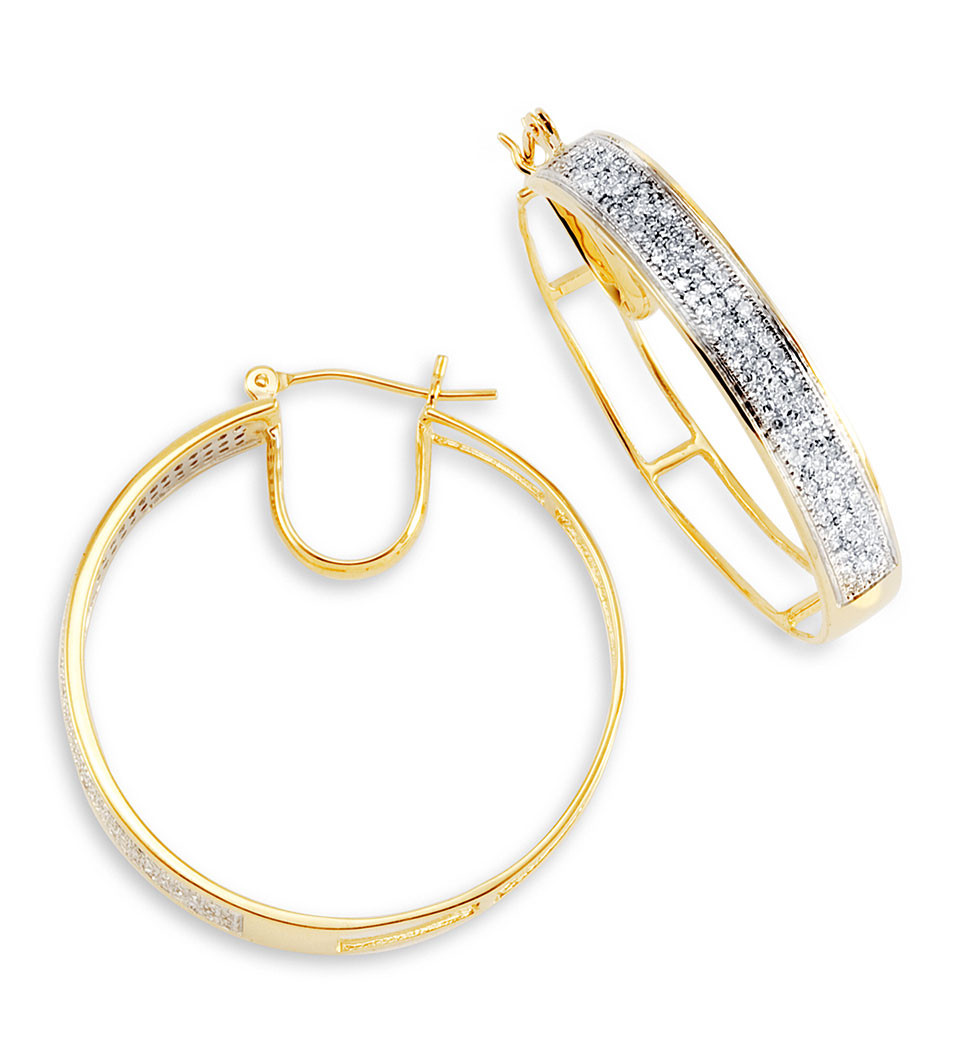 Stand Out With These 18k Yellow Gold Round White Diamonds Hoop Earrings